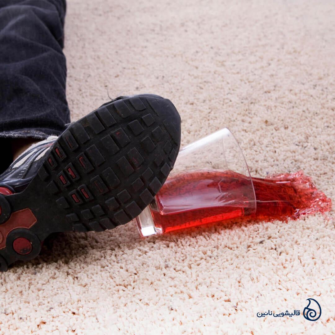 چگونگی پاک کردن لکه آبمیوه از روی فرش