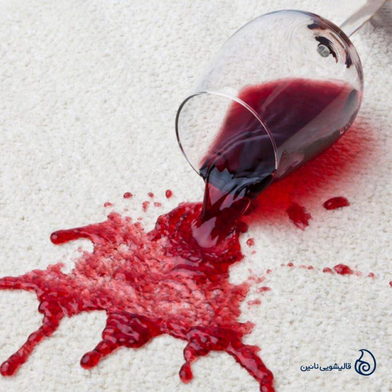 پاک کردن لکه نوشیدنی های الکلی